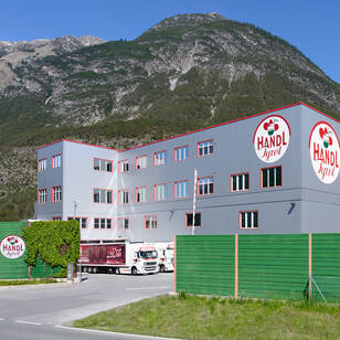 Service-Center in Schönwies Handl Tyrol